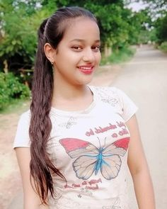 Beautiful Arab Women, Beautiful Girl In India, Beautiful Girl Image, Beautiful Indian Actress, Beautiful People, Cute Girl Pic, Stylish Girl Pic, Girl Number For Friendship, Desi Girl Image