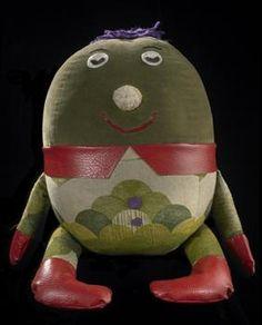 Stuffed toy, 'Humpty' - Museum of New Zealand Te Papa Tongarewa (www.tepapapicturelibrary.co.nz)