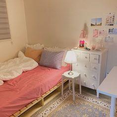 Room Design Bedroom, Small Room Bedroom, Room Ideas Bedroom, Bedroom Decor, Bedroom Inspo, Cute Room Decor, Pastel Room Decor, Minimalist Room, Pretty Room