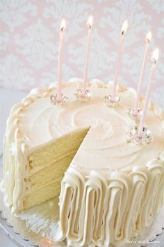 White Velvet Cake White Cake, White Velvet Cake, Wedding Cake, Silver Candle Holders, Silver Cake To Brownie Desserts, Oreo Dessert, Mini Desserts, Homemade Desserts, Easy Desserts, Pumpkin Dessert, Pumpkin Cheesecake, White Velvet Cakes, White Cakes