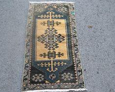 Vintage Turkish Carpets and Vintage Turkish Kilim by SILKROADRUGS