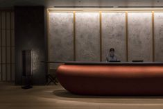 A modern Ryokan stay at the Hoshinoya Resort in the heart of Tokyo, experiencing true omotenashi, a traditional concept of Japanese hospitality. Reception Counter, Hotel Reception, Yabu Pushelberg, Hotel Meeting, Sales Center, Interior Architecture, Interior Design, Interior Lighting, Shutters