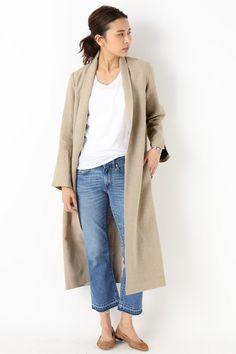 Deuxieme ClasseのMADISON BLUE リネンチェスターコート◆を通販するなら ファッション通販 スタイルクルーズ(Style Cruise) 。大人気のMADISON BLUEからは軽やかな麻素材の春アウターが登場。<br />コートはさらっとシンプルなスタイルに羽織って。<br />ラフなのに品の良さが出るのはMADISON BLUEならでは。<br />ちらっと覗く裏地の黒がスタイリングにメリハリを加えます。<br />裏地は柔らかい麻を使用し、Tシャツに羽織っても肌触りの良いコートです。<br /><br />【MADISON BLUE(マディソンブルー) 】 <br />ハイカジュアルをコンセプトにスタイリスト中山まりこさんが手掛ける、今話題のブランドです。 <br />スタイリスト目線で袖口や襟元の着こなし方まで考えられたデザインが特徴。 <br />モードにもカジュアルにも似合う、本物を知り尽くしたバランスとシルエットです。 <br />人が着ることで完成する、人に寄り添うアイテムを展開します。 <br /><br…