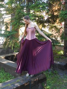 This elegant skirt is simple yet eye-catching. Hand made maxi skirt with feminine characteristics - flowing, romantic and soft.