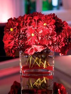 Dramatic red centerpiece #engagementparty #flowers #centerpiece