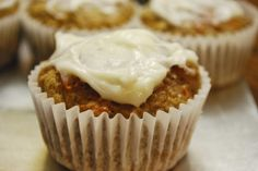 Healthy Carrot Cake Cupcakes with Cream Cheese Frosting 3pp! Sounds perfect for a healthy Easter treat.