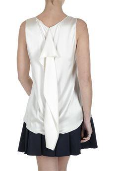 Canotta in seta elasticizzata #Jucca Scollo v. Disponibile color latte e nero. #moda #fashion