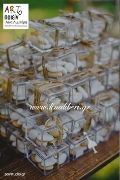 ARTοποιείν μπομπονιέρες γάμου www.linaliberi.gr Wedding Wraps, Diy Wedding, Wedding Gifts, Chocolate Wrapping, Glass Centerpieces, Wedding Favor Boxes, Wedding Humor, Event Design, Event Planning