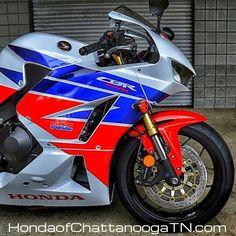 Vintage Honda Motorcycles, Cool Motorcycles, Triumph Motorcycles, Honda Cbr 600, Honda Cb750, Ducati, Honda Sport Bikes, Best Motorbike, Formula 1
