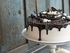 Best chocolate mousse filling for cake - Popular recipes for baking masters Cake Recipes, Dessert Recipes, Russian Desserts, Time To Eat, Food Inspiration, Cake Decorating, Food And Drink, Pudding, Yummy Food