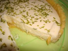 Torta de Limão Simples Dessert Drinks, Dessert Recipes, Desserts, Mousse, Fiber Foods, Kinds Of Salad, Piece Of Cakes, Pasta, Places To Eat