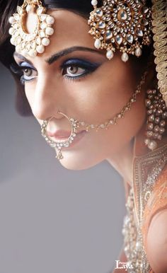 bridal jewelry for the radiant bride Pakistani Bridal, Indian Bridal, Hena, Asian Bridal Makeup, Bridal Beauty, Nose Jewelry, Asian Bride, Oriental Fashion, Beauty Shoot