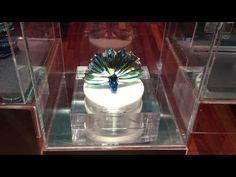 This rotational plumage promotion part of Swarovski's® window displays. Window Displays, Visual Merchandising, Peacock, Swarovski, Retail, Pop, Display Cases, Shop Displays, Popular