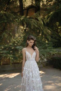 S/S 2016 | Berta Bridal So beautiful!