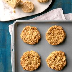 Crispy on the outside, chewy on the inside and perfectly dunkable. These Oat & Coconut Icebox Cookies are calling your name 🤤 Coconut Cookies, Ginger Cookies, Sugar Cookies, Yummy Cookies, Cake Cookies, Baking Recipes, Cookie Recipes, Dessert Recipes, Dessert Ideas