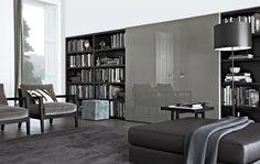 Prachtige woonkamer meubelen van Poliform. Tv Audio kasten met schuifdeuren waar u de apparatuur achter kunt zetten. Zien en ervaren bij dealer Lineo regio Eindhoven
