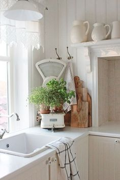Farmhouse style white on white country rustic shabby chic: