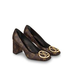 Products by Louis Vuitton: Madeleine Pump – louis vuitton shoe heels Lv Shoes, Pump Shoes, Shoes Heels, Louis Vuitton Pumps, Louis Vuitton Handbags, Vuitton Bag, Christian Louboutin So Kate, Vintage Louis Vuitton, Authentic Louis Vuitton