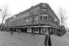 V&D, voorheen Vroom & Dreesmann, thans failliet. Street View