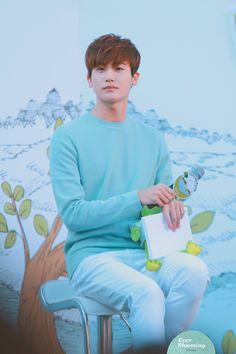 ParkHyungsik 170423 primera Love the Earth フェスティバル Park Hyung Sik, Hot Korean Guys, Korean Men, Asian Actors, Korean Actors, Jinyoung, Ahn Min Hyuk, K Park, Hong Jong Hyun