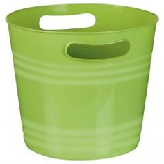 Our Green Ice Bucket is a must have summertime party essential to keep your drinks cold. Each plastic ice bucket measures approximately 9 x 8 inches. Party Stations, Beverage Tub, Wine Bucket, Barn Parties, Graduation Party Supplies, Champagne Buckets, Green Party, Summer Diy, Party Drinks