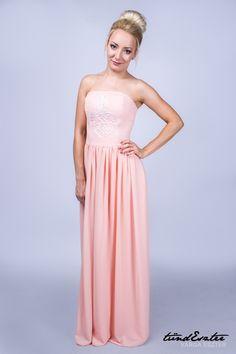97b4485cb1 Barack színű alkalmi vagy koszorúslány ruha. Maxi szoknya, pántnélküli  felsővel. Akár más színben is! --- Peach colored casual or bridesmaid dress.