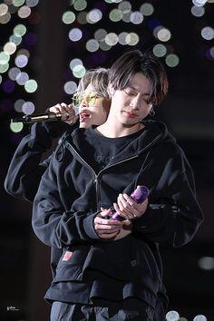 Foto Bts, Jimin Jungkook, Bts Bangtan Boy, Taehyung, Hoseok Bts, Bts Like, Vlive Bts, Vkook, Bts Concert
