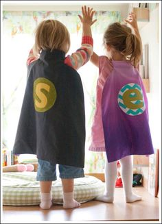 Make Your Own Superhero Cape- convention time