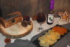 Sýrové chipsy | Žijeme homemade Butcher Block Cutting Board, Homemade, Cooking, Kitchen, Home Made, Brewing, Cuisine, Hand Made, Cook