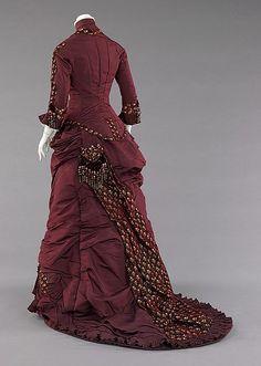 1880s ___ Dinner Dress ___ silk ___ American (Brooklyn) ___ at The Metropolitan Museum of Art ___ photo 2
