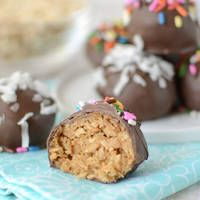 Perfect for any holiday: Over 100 Truffle Recipes for make at home candy!