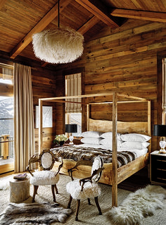 21 Wondrous Winter Homes & Ski Chalets 21 Wondrous Winter Homes & Ski Chalets,sypialnia 21 Chic Chalet Interiors Chalet Interior, Interior Design, Interior Ideas, Garrison House, Ski Lodge Decor, Mountain Cabin Decor, Lodge Bedroom, Modern Lodge, Master Bedroom Interior