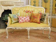 yellow settee via Maritza