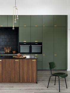 Kitchen Remodel On A Budget galleri - ikea køkken fronter - Best Kitchen Designs, Modern Kitchen Design, Interior Design Kitchen, Green Interior Design, Modern Design, Green Kitchen Cabinets, New Kitchen, Kitchen Decor, Awesome Kitchen