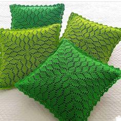 Ideas For Crochet Scarf Stitches Simple Crochet Leaf Patterns, Crochet Leaves, Crochet Motif, Crochet Designs, Crochet Stitches, Knit Crochet, Crochet Pillow Cases, Crochet Cushion Cover, Crochet Cushions