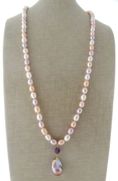 Baroque pearl necklace pink freshwater pearl by Sofiasbijoux