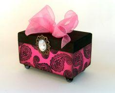 Trinket Box /Eyes on you by funwallart on Etsy, $25.00