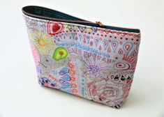 Kosmetiktasche nähen in 15 Minuten Textiles, Diy And Crafts, Coin Purse, Crafty, Quilts, Purses, Wallet, Sewing, Couture