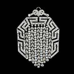 Pearl & Diamonds 1920....