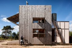 Contemporary Cabins - Hut on Sleds by Crosson Clarke Carnachan Architects 1