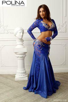 Figurinos Luxuosos Para Dança do Ventre By Polina Belly Dancer Costumes, Belly Dancers, Dance Costumes, Hot Outfits, Dance Outfits, Dance Dresses, Dance Oriental, Belly Dance Outfit, Tango Dress