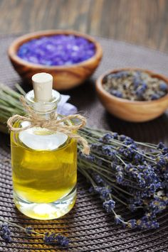 How to Use Scented Oils to Repel Insects
