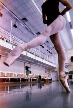 o_O look at that gorgeous studio! Dance It Out, Dance With You, Lets Dance, Ballet Class, Ballet Dancers, Ballerinas, Ballet Art, Dance Like No One Is Watching, Dance Movement