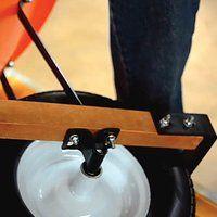 Leonard 6 cu ft Poly Tray Wheelbarrow Pneumatic or Flat-Free Tires   Gardeners Edge Free Tire, Plastic Trays, Cubic Foot, Wheelbarrow, Flat, Bass, Dancing Girls, Flat Shoes