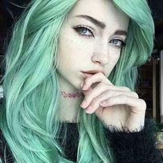 Sweet mint Green hair color - All For New Hairstyles Mint Green Hair, Green Hair Dye, Green Hair Colors, Dye My Hair, Mint Hair, Girl With Green Hair, Emo Hair Color, Blue Green, Green Nails