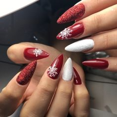 fantastic christmas nail art designs to spice up holiday season 7 ~ thereds.me fantastic christmas nail art designs to spice up holiday season 7 ~ thereds. Chistmas Nails, Cute Christmas Nails, Christmas Nail Art Designs, Xmas Nails, Holiday Nails, Halloween Nails, Red Nails, Nail Pink, Orange Nail