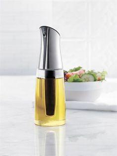 http://www.thekitchenette.fr/ustensiles-de-cuisine-Trudeau/huile-et-vinaigre/Bouteille-d-huile-et-vinaigre-2-en-1-5050180--trudeau/388 Huilier et vinaigrier en verre design #trudeau #huile #cuisine #accessoires
