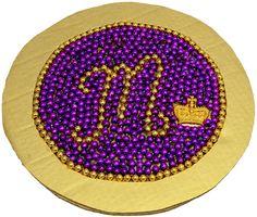 Charger Plate, DIY, Mardi Gras Beads, Bead Upcycle, Mardi Gras Decorations, Tablescape, Mardi Gras Bead Craft #mardigrasparty
