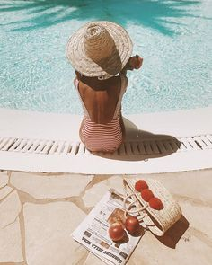"""5,136 Likes, 58 Comments - Masha (@masha_theone) on Instagram: """"Pool day kind of """"Feels"""" and peach diet all day every day ☀️"""""""