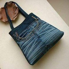 The best 12 bags and handbag trends: # jeans reform # bags # jean # put . - The best 12 bags and handbag trends: # jeans reform # bags # jean # putting Home P - Denim Backpack, Denim Tote Bags, Denim Purse, Denim Jean Purses, Denim Bags From Jeans, Artisanats Denim, Denim And Lace, Blue Denim, Jean Diy